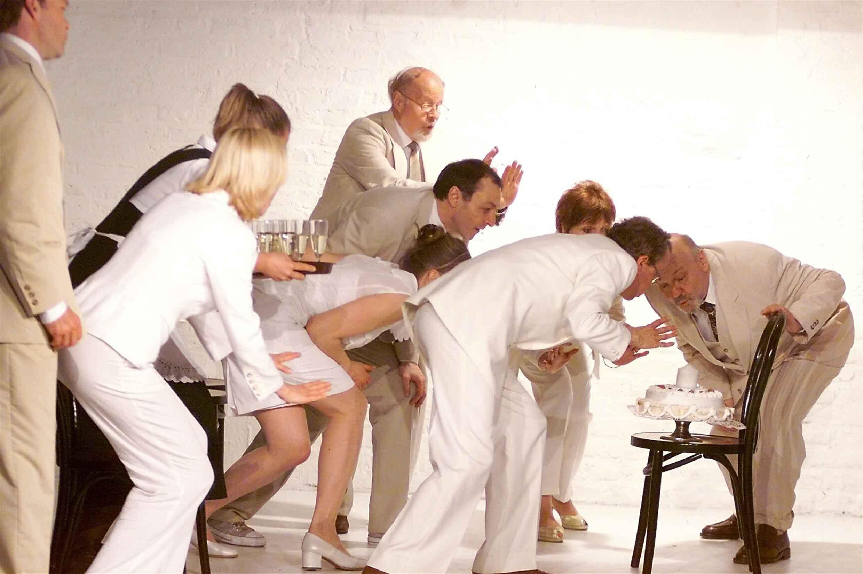 Tortenszene in Das Fest im Theater am Sachsenring Köln