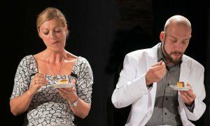 Scholmann und Baboi in Gott des Gemetzels im Theater am Sachsenring Köln