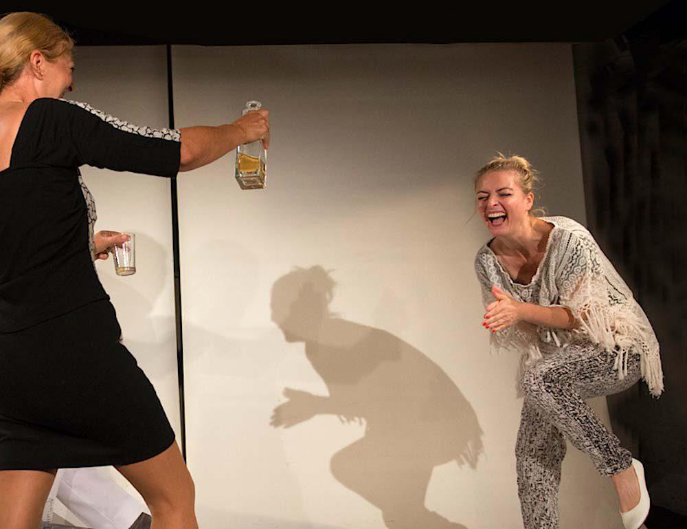 Scholmann und Lehner in Gott des Gemetzels im Theater am Sachsenring Köln