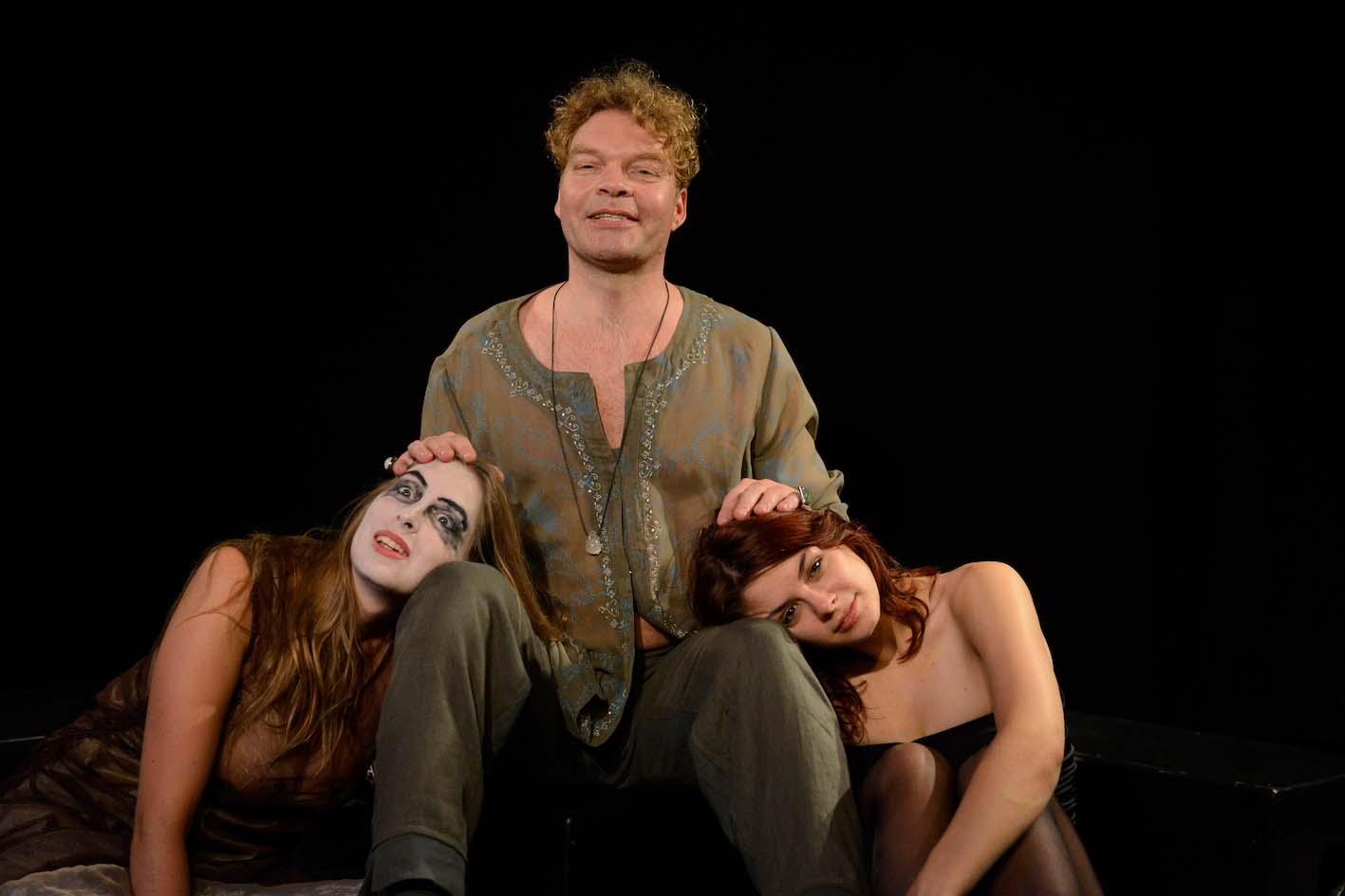 Hucke, Zurmühlen und Silke in Peer Gynt im Theater am Sachsenring Köln