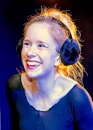 Nina Ruhz ist Schauspielerin im Theater am Sachsenring