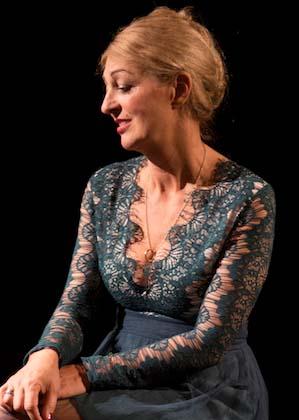 Bettina Scholmann ist Schauspielerin im Theater am Sachsenring