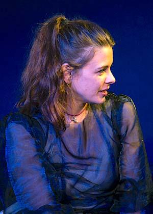 Jennifer Tilesi Silke ist Schauspielerin im Theater am Sachsenring